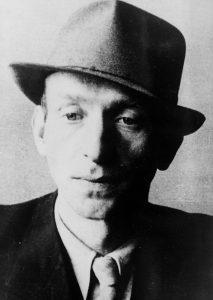 Jedna z posledních fotografií Václava Morávka (pravděpodobně 1941-1942).